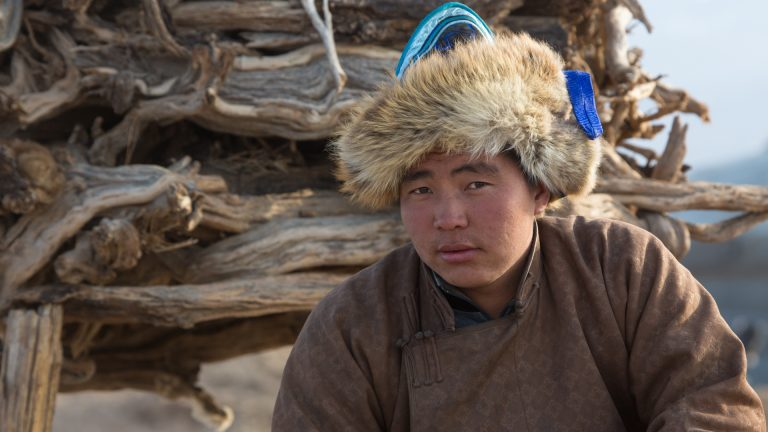 Junger Hirte in der Süd-Gobi, Mongolei